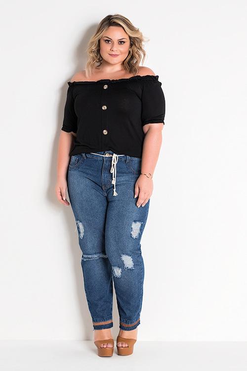 Blusa Ciganinha Com Botões Preta e Calça Jeans Destroyed