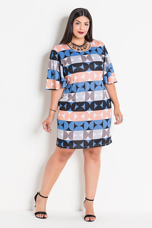 Vestido Plus Size Geométrico com Mangas Amplas