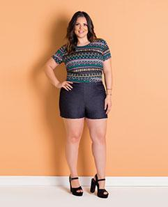 a46f97628 Cropped Étnico e Short Jeans Plus Size
